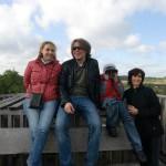 Rieselfelder Münster (6) Dolmetscherin Mia Iordache, Thomas Muhr (Benefit & Joy), Mihaita und Mutter Carmen Chita
