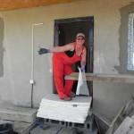 Putzarbeiten am Haus der Familie Glavan (2)